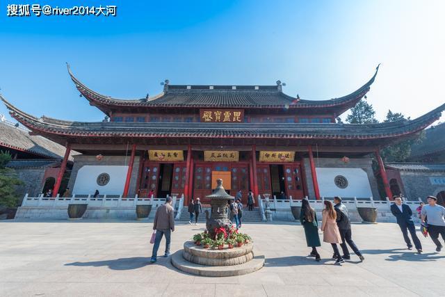 O Templo de Nanjing Qixia